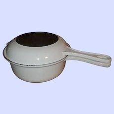 White Le Creuset Casserole Cast Iron 2-In-1 Saucepan 22
