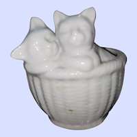 SWEET Little  Vintage Ceramic Kitty Cats in Basket Wall Pocket Paris Imports