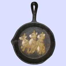 Sweet Wall Hsnger Black Cast Iron Frypan Embossed Kitty Cat Theme