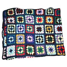 VINTAGE Cheerful Colorful Hand Crochet Granny Square Bkanket Afghan Throw