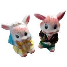 Sweet Vintage Ceramic Bunny Rabbit Bride Groom Salt Pepper Shakers