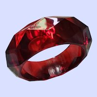 Chunky Diamond Faceted Pattern Plastic Bangle Bracelet Fun Fashion Accessory