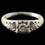 18K Art Deco 0.25 CTW Diamond 3 Stone Filigree Engagement Ring Size 5.75 White Gold [QWQX]