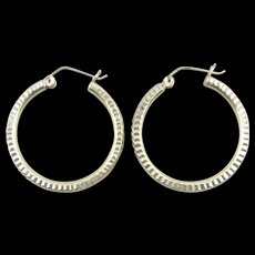 14K 0.30 Ctw Diamond Channel Inset Two Tone Curved EarRings White Gold  [QWQX]