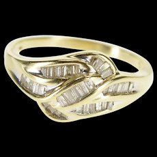 10K 1.00 Ctw Baguette Channel Diamond Wavy Band Ring Size 8.5 Yellow Gold [QWQX]