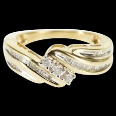 10K 0.55 Ctw Diamond Encrusted Wavy Engagement Ring Size 7.25 Yellow Gold [QWQX]