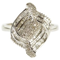 18K 1.19 Ctw Diamond Encrusted Curvy Statement Ring Size 6.25 White Gold [QPQQ]