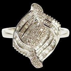 18K 1.19 Ctw Diamond Encrusted Curvy Statement Ring Size 6.25 White Gold [QWQX]