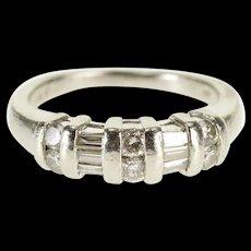 Platinum 0.72 Ctw Diamond Encrusted Wedding Band Ring Size 5.25  [QWQX]
