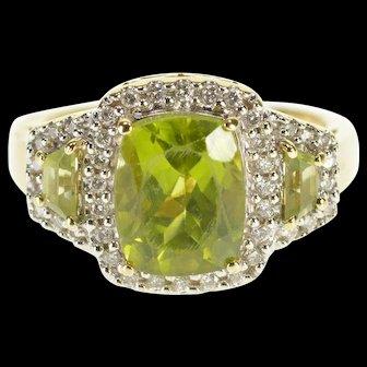 14K 3.90 Ctw Peridot Diamond Halo Three Stone Ring Size 6.75 Yellow Gold [QWXK]