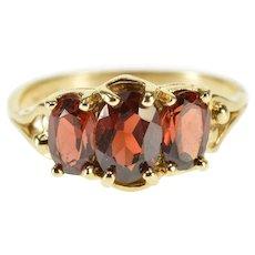 10K Oval Three Stone Garnet Split Band Statement Ring Size 6 Yellow Gold [QWXR]