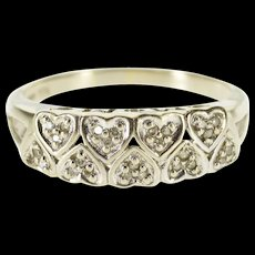 10K Diamond Encrusted Alternating Heart Wedding Ring Size 8 White Gold [QWQX]