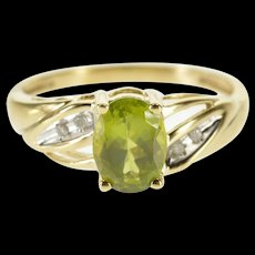10K Oval Peridot Diamond Accented Grooved Ring Size 7 Yellow Gold [QWQX]