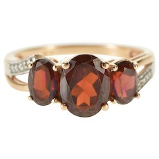 10K Three Stone Garnet Oval Diamond Accent Ring Size 5 Yellow Gold [QWQX]