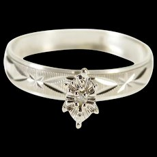 14K Retro Pointed Oval Diamond Inset Grooved Pattern Ring Size 6 White Gold [QWQQ]