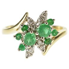 14K 0.80 Ctw Emerald Diamond Cluster Cocktail Ring Size 6.75 Yellow Gold [QWQQ]