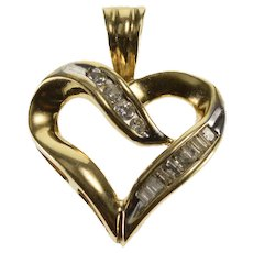 10K Diamond Channel Encrusted Wavy Heart Pendant Yellow Gold  [QWQC]