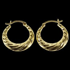 14K Scalloped Twist Graduated Hollow Hoop EarRings Yellow Gold  [QWQC]