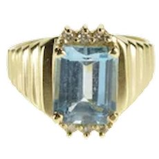 14K Emerald Cut Blue Topaz Diamond Accent Grooved Ring Size 6.25 Yellow Gold [QWXF]