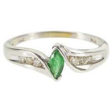 14K 0.35 Ctw Emerald Diamond Alternative Engagement Ring Size 7 White Gold [QWXF]