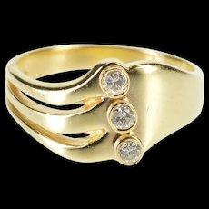 10K 0.18 Ctw Diamond Inset Wavy Design Statement Ring Size 7.25 Yellow Gold [QRXS]