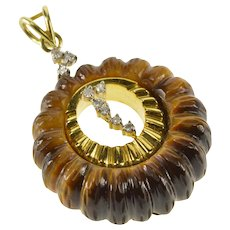 14K Scalloped Carved Tiger's Eye Diamond Inset Pendant Yellow Gold  [QRXC]