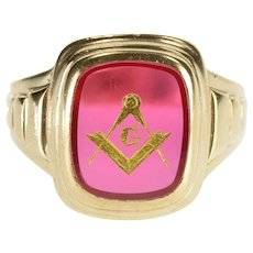 10K Masonic Carved Symbol Syn. Ruby Men's Ring Size 11 Yellow Gold [QWXP]