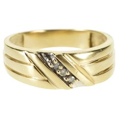 10K Diamond Inset Grooved Design Wedding Band Ring Size 8.75 Yellow Gold [QRXP]