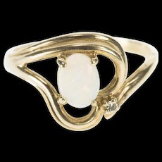 10K Oval Natural Opal Diamond Accent Wavy Heart Ring Size 8.25 Yellow Gold [QWQX]