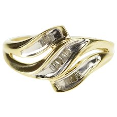 10K Baguette Diamond Inset Wavy Fashion Ring Size 5 Yellow Gold [QWQX]