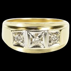 10K 0.25 Ctw Three Stone Diamond Men's Wedding Ring Size 9.75 Yellow Gold [QRXR]