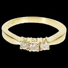 14K Three Stone Diamond Classic Engagement Ring Size 5.5 Yellow Gold [QRXR]