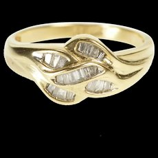 10K Wavy Channel Inset Baguette Diamond Fashion Ring Size 7 Yellow Gold [QRXR]
