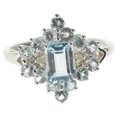 10K Blue Topaz Diamond Accent Fashion Cocktail Ring Size 7 White Gold [QWQQ]