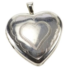 10K Retro Scalloped Design Heart Locket Picture Pendant White Gold [QRXP]