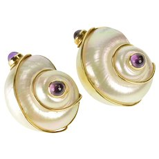 18K Amethyst Mother of Pearl Conch Shell Ornate Earrings Yellow Gold [QRQQ]