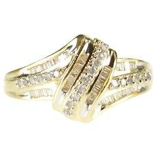 10K Wavy Twist Diamond Encrusted Statement Ring Size 6.75 Yellow Gold [CXXQ]