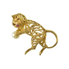 18K Ruby Eyed Pearl Yarn Toy Cat Kitten Retro Pin/Brooch Yellow Gold [QRQX]