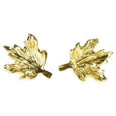 14K Textured 3D Maple Leaf Nature Motif Stud Earrings Yellow Gold [QRQC]