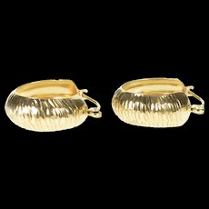 10K 18.4mm Grooved Zebra Pattern Rounded Hoop Earrings Yellow Gold [CXXS]