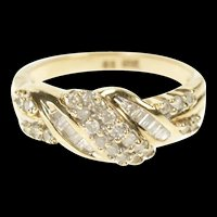 10K Wavy Round & Baguette Diamond Statement Band Ring Size 7 Yellow Gold [CXXP]