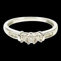 14K 0.25 Ctw Three Stone Promise Engagement Ring Size 7.25 White Gold [CXXW]