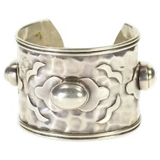 "Sterling Silver Ornate Hammered Oval Design Statement Cuff Bracelet 7.25""  [CXXW]"