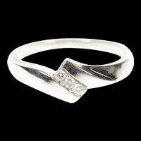10K Diamond Inset Simple Bypass Band Ring Size 7 White Gold [CXXP]