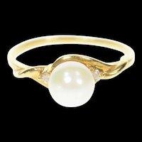 14K Diamond Accent Pearl Three Stone Classic Ring Size 5.75 Yellow Gold [CXXW]