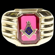 10K Men's Masonic Symbol Emblem Syn. Ruby Ring Size 9.5 Yellow Gold [CXQC]
