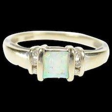 10K Cushion Syn. Opal Diamond Accent Statement Ring Size 7 White Gold [CQXQ]
