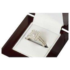 14K 0.67 Ctw Baguette Diamond Halo Engagement Ring Size 7.25 White Gold [CXQQ]