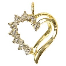 10K Classic Diamond Accent Heart Love Symbol Pendant Yellow Gold [CXQC]