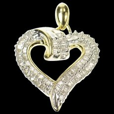 10K Baguette Diamond Curvy Heart Love Symbol Pendant Yellow Gold [CQXQ]